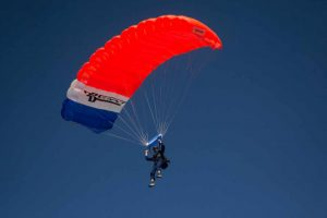 Skydiving open canopy